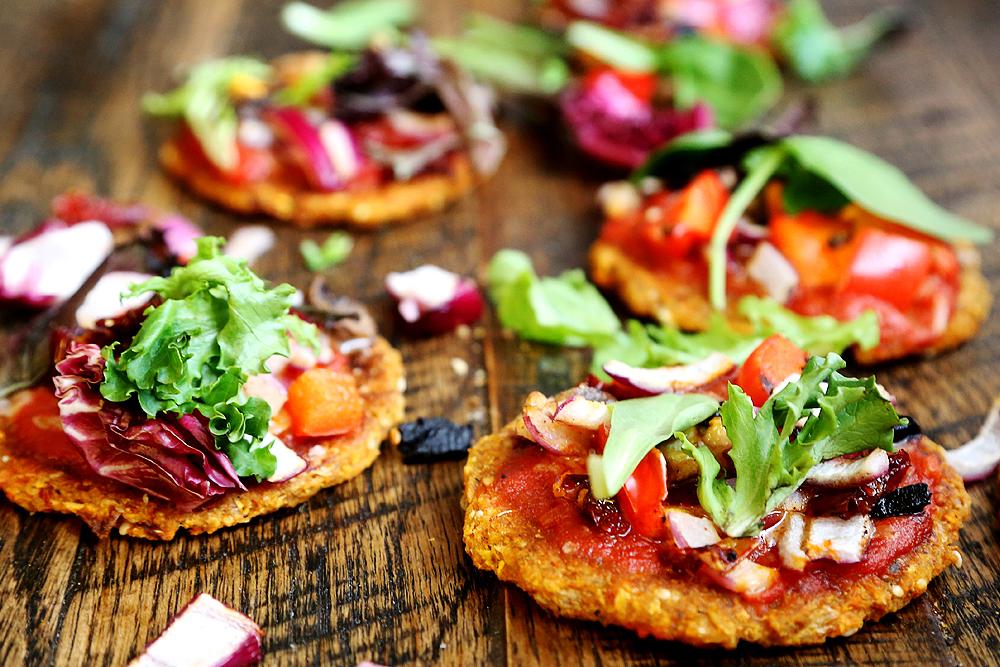 vegán és gluténmentes mini pizza